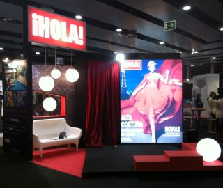 Stand para revista Hola en Mercedes Fashion Week